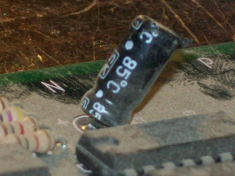 4.6uF_50V_lifted_pin